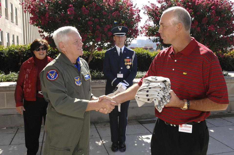 PGA champions visit Pentagon