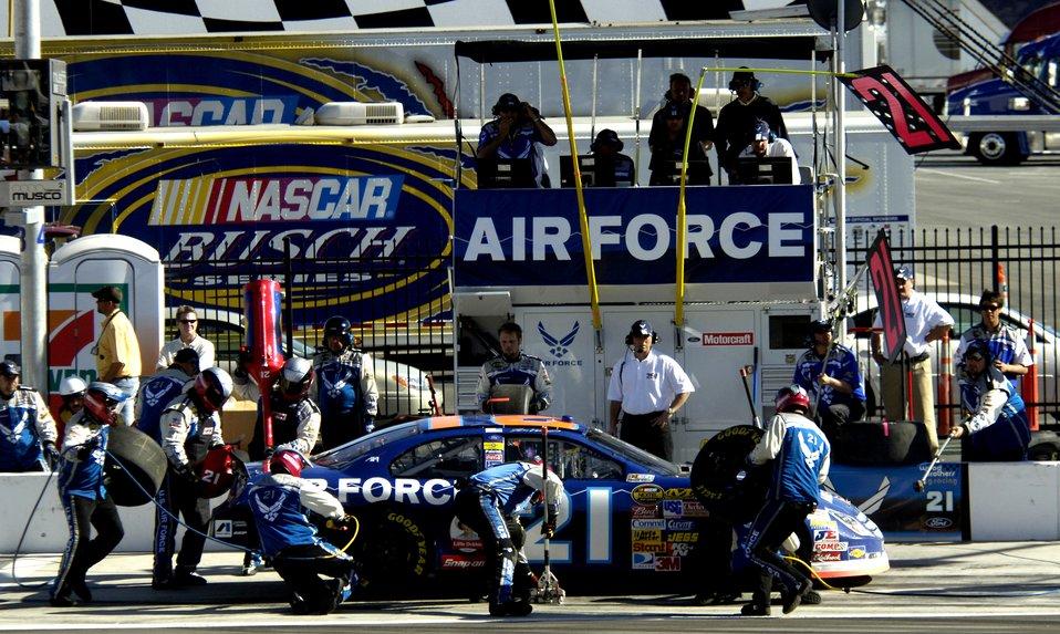 NASCAR Nextel Cup UAW Daimler-Chrysler
