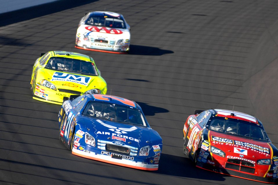 NASCAR Nextel Cup UAW Daimler-Chrysler 400