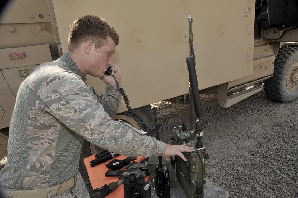 Airmen assist Army ground movements in Iraq