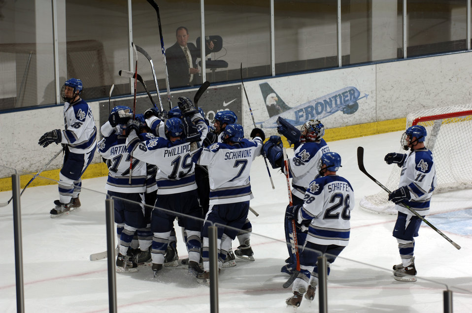 Air Force blanks Holy Cross, 3-0