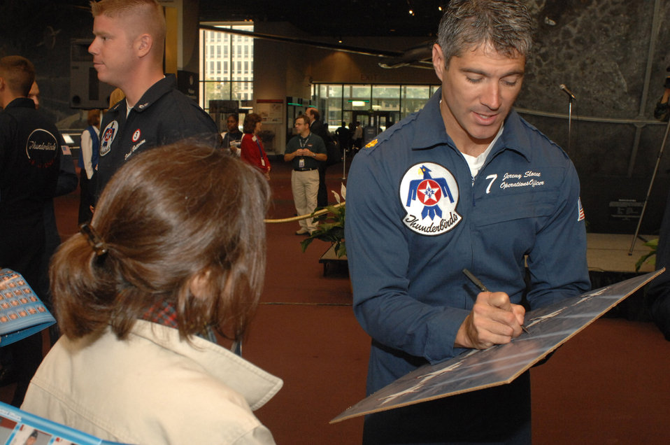 Thunderbirds visit Smithsonian Air and Space Museum