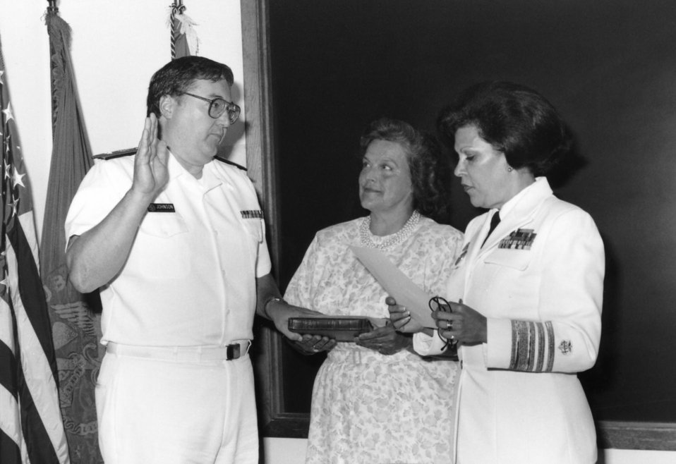 This 1991 photograph depicted U.S. Surgeon General, Antonia C. Novello, M.D., M.P.H. (1990 - 1993) (right), as she was presiding over the sw