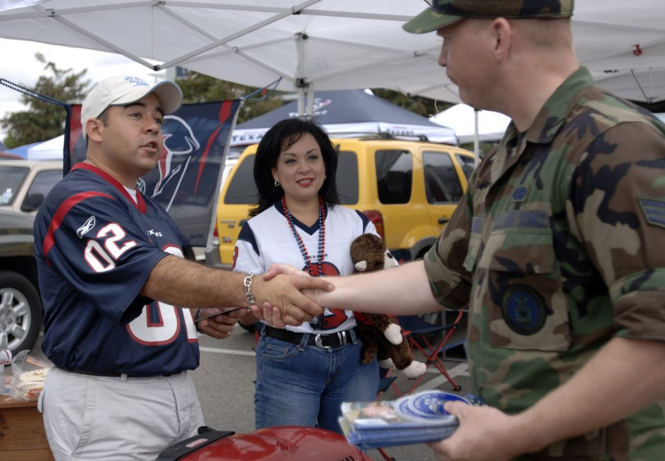 Servicemembers shine during NFL game
