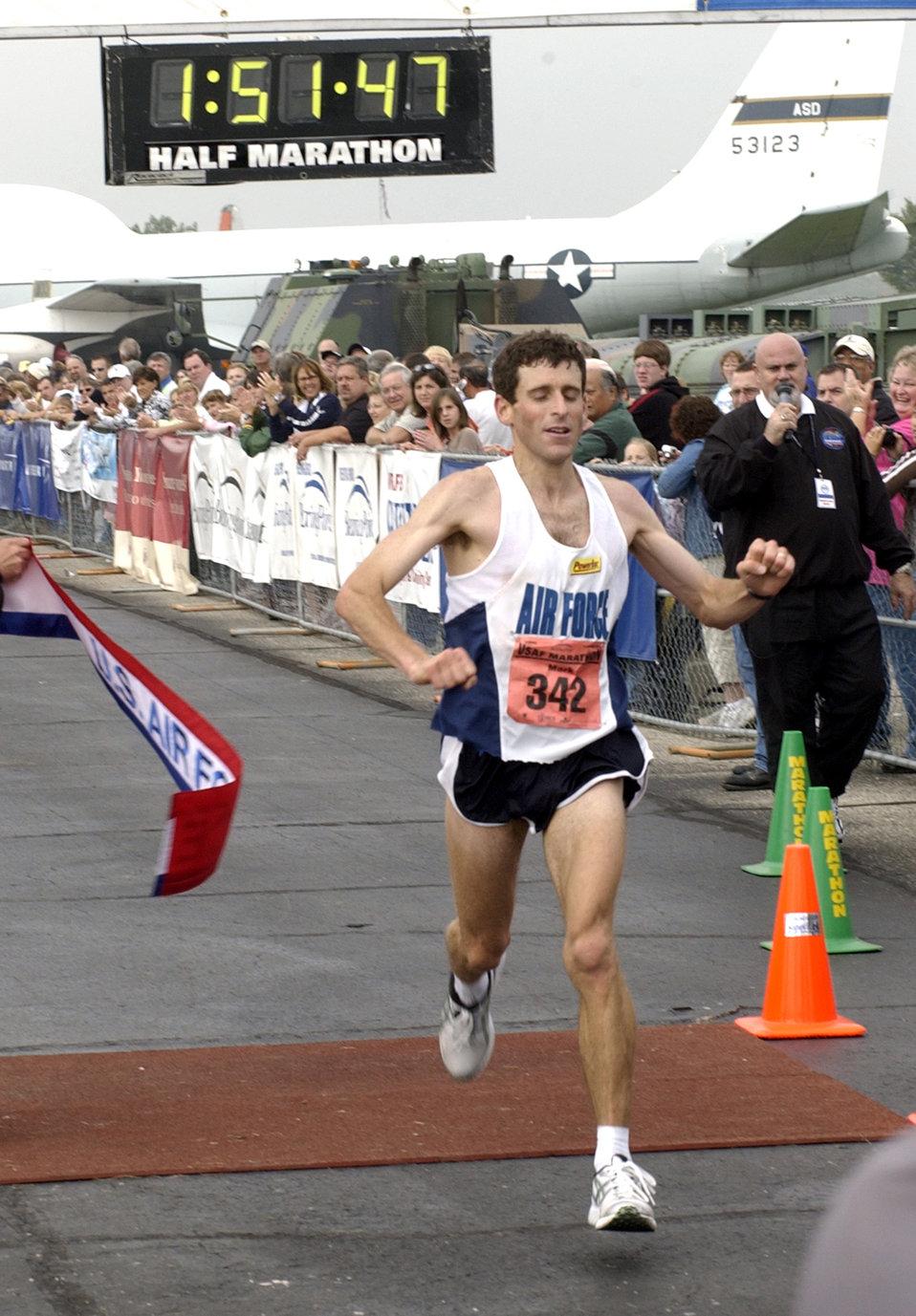 Airman, Soldier take top Air Force marathon races