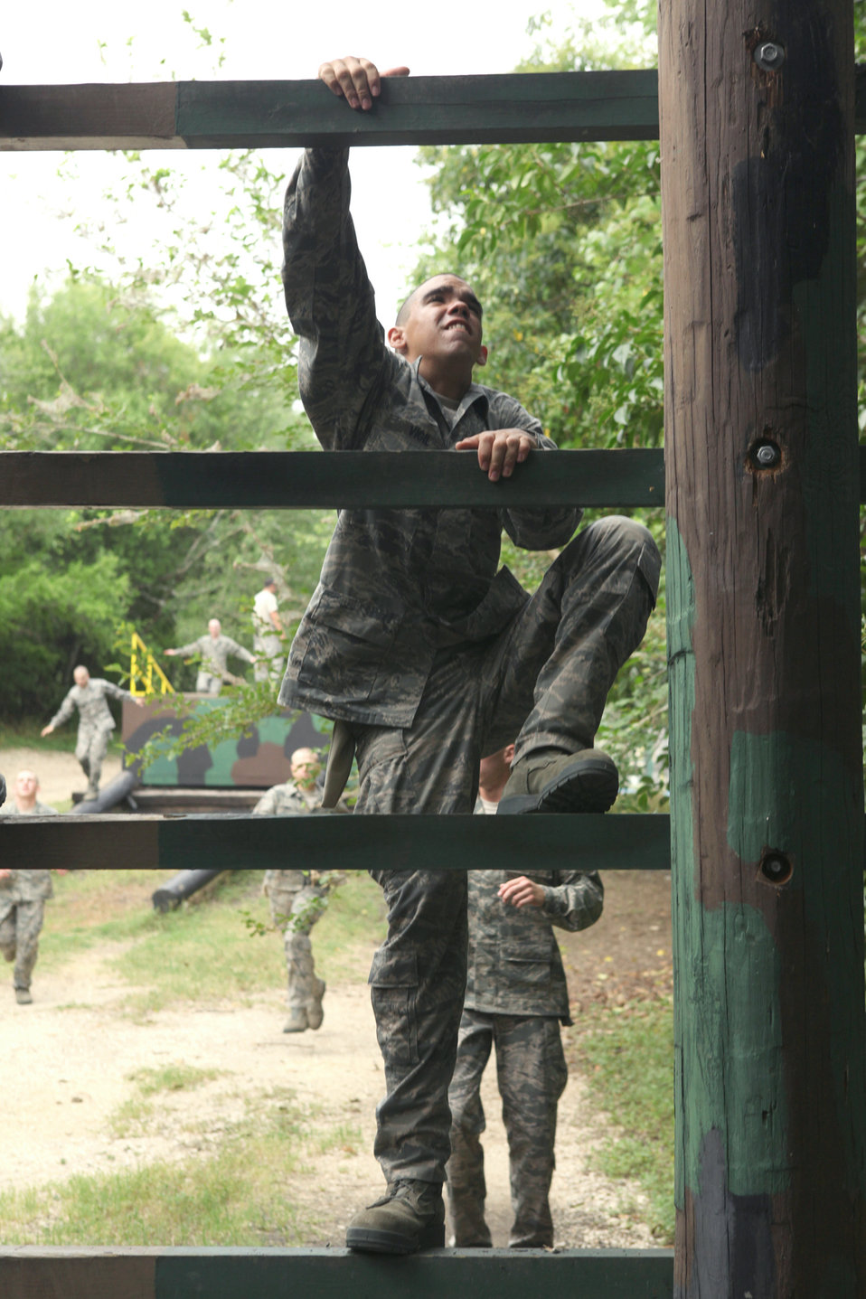 Trainees take on confidence course