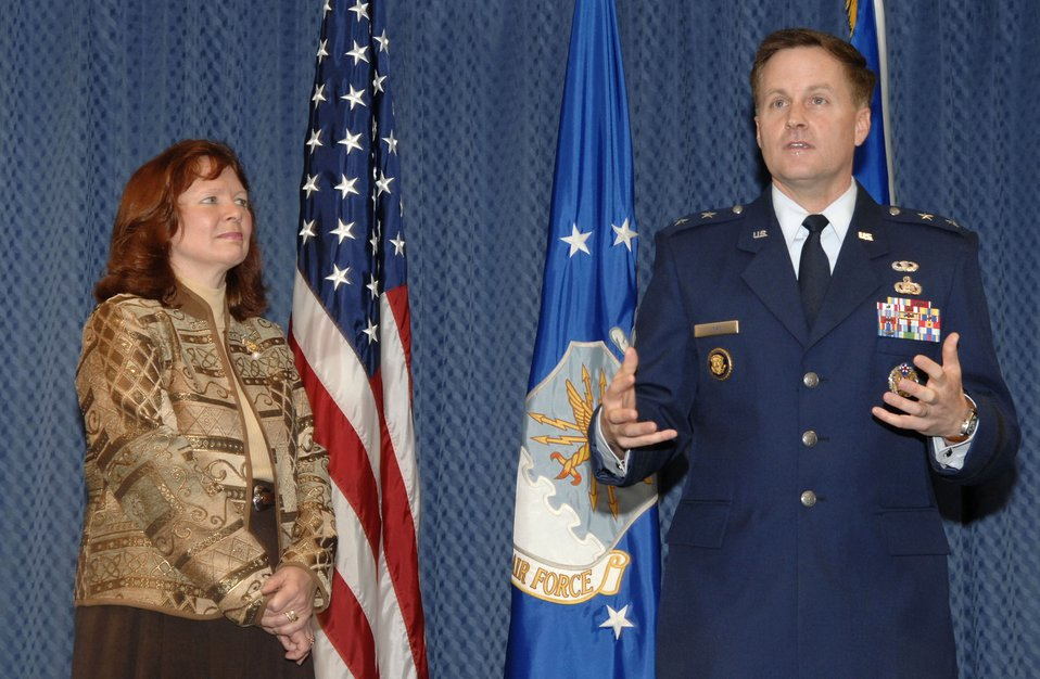 General, spouse receive O'Malley award