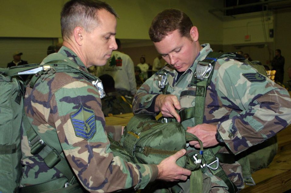Enlisted TACP control close air support