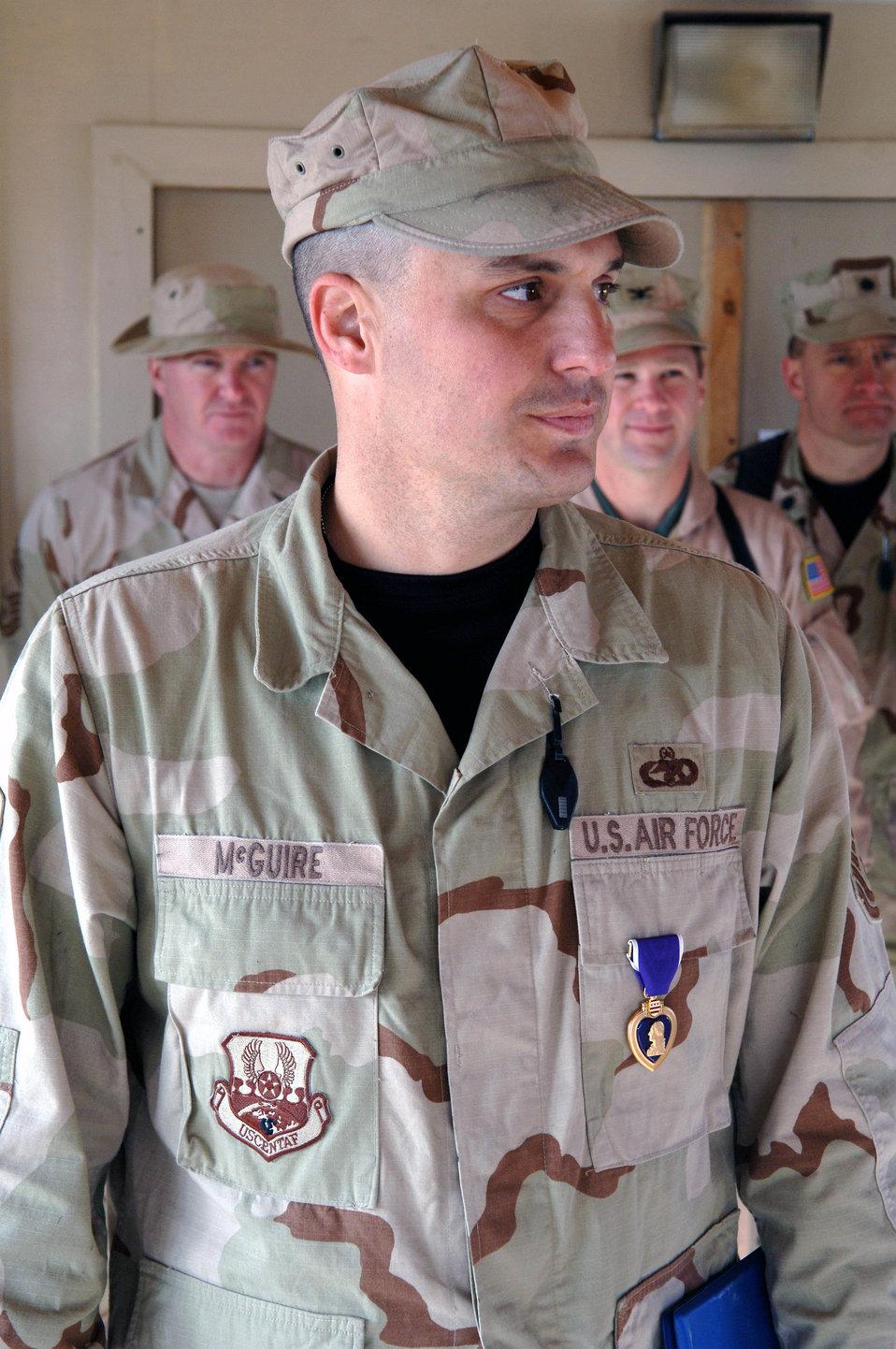 Kandahar Airman receives Purple Heart
