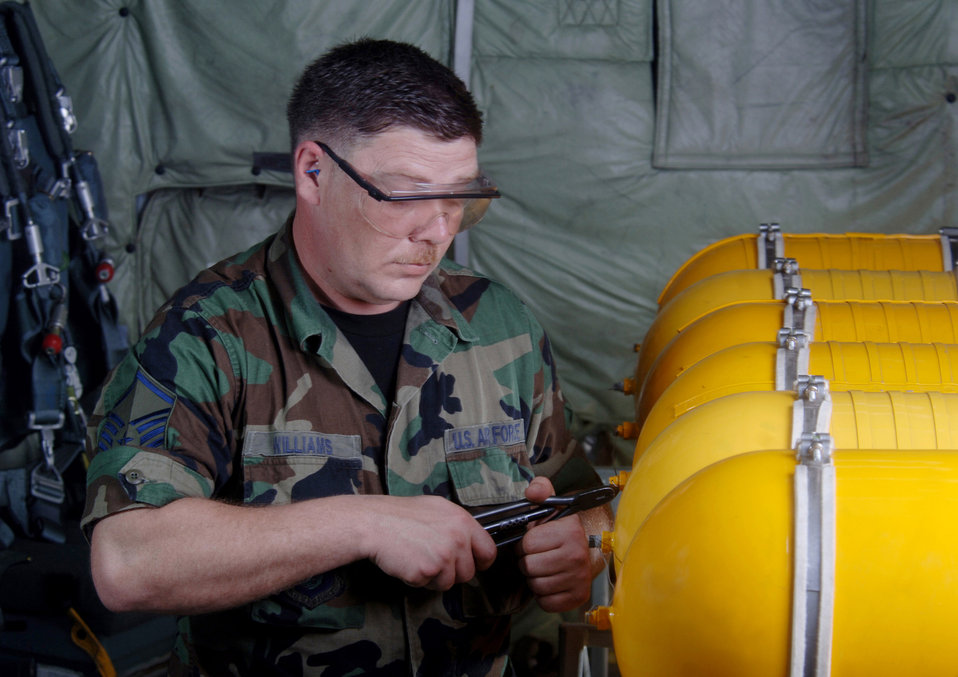 Alaska Airmen work at Guam