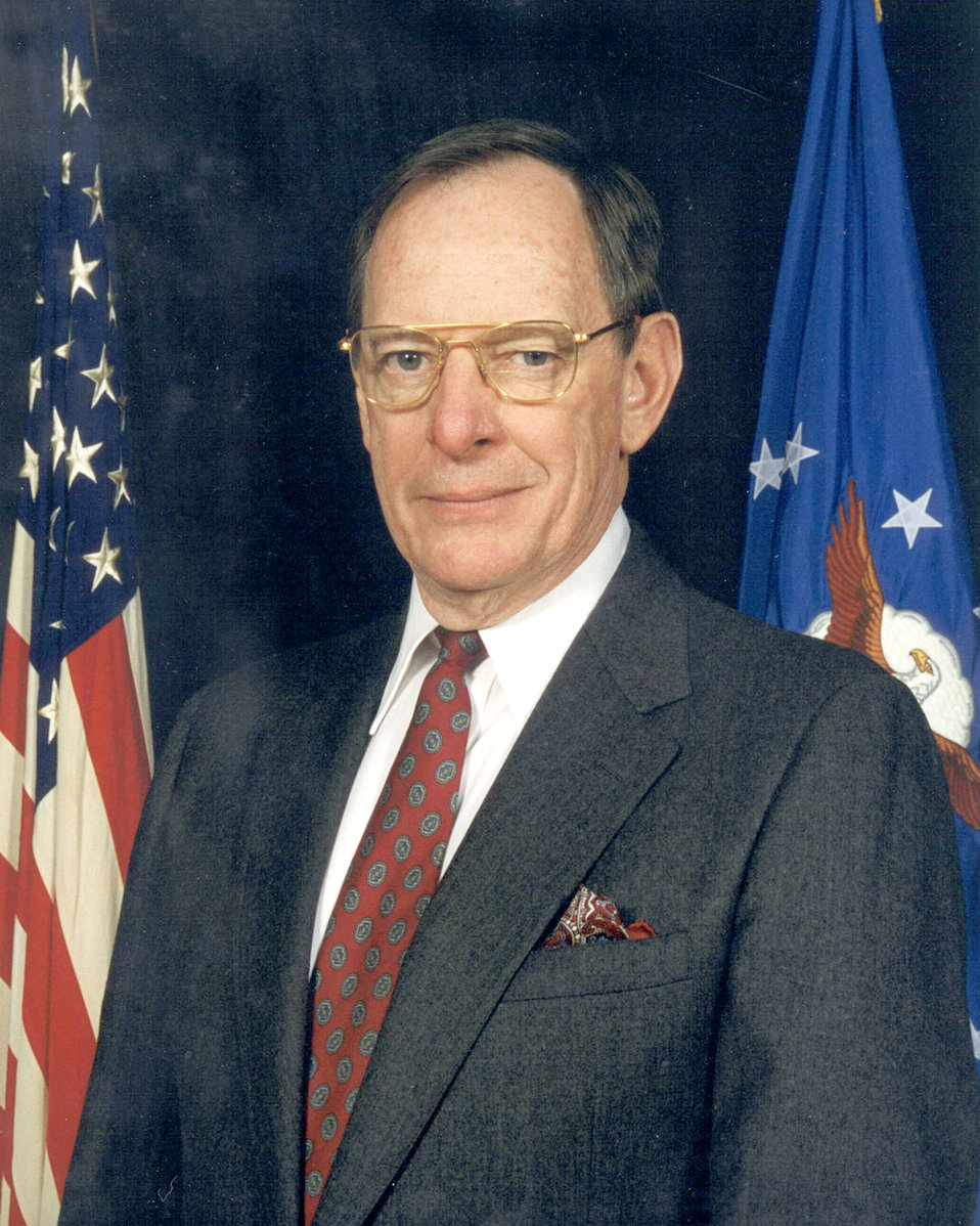 Air Force museum director to receive national award