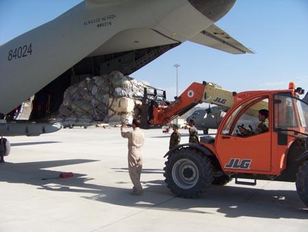 Airmen mentor Afghan porters at Kabul