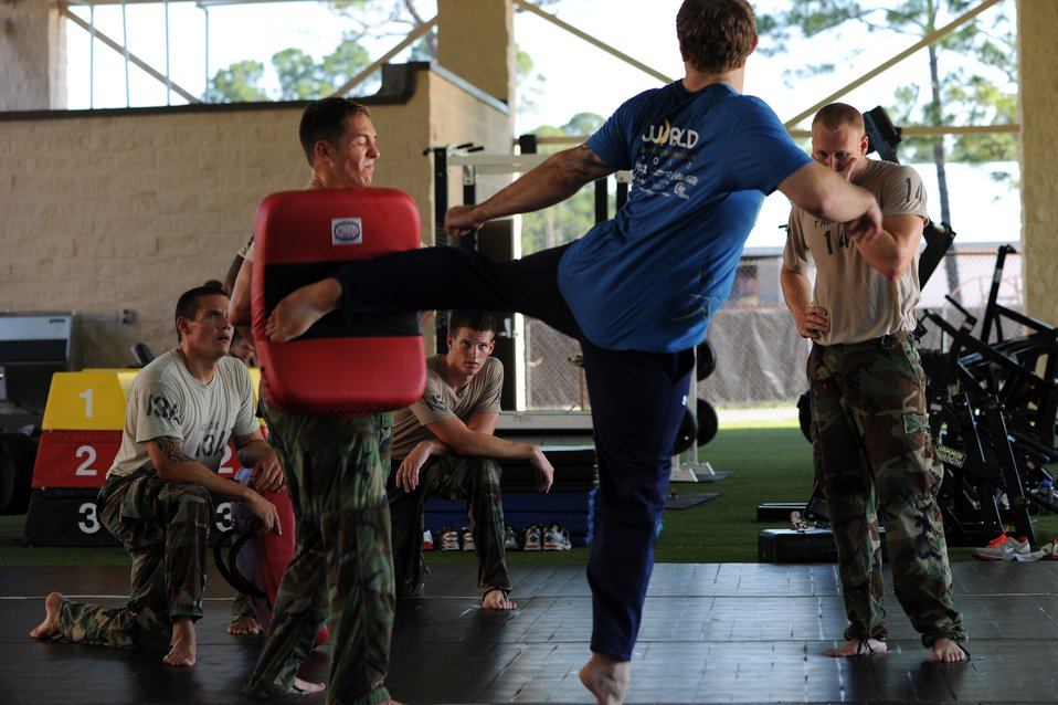 UFC fighter helps train battlefield Airmen