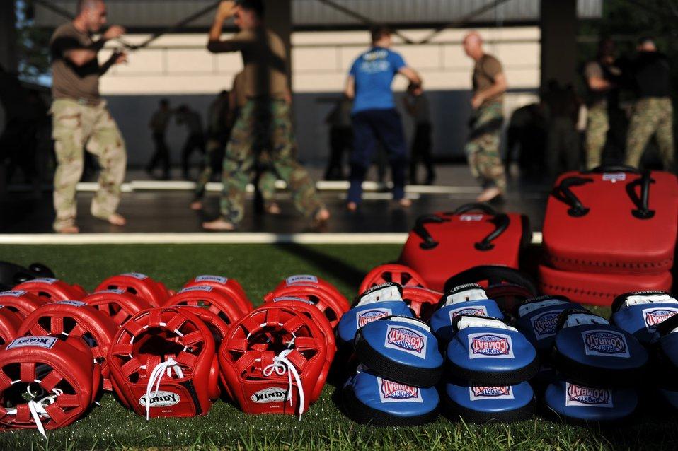UFC fighter helps train battlefield Airmen