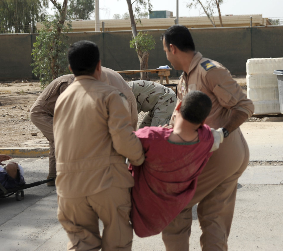 Iraqi forces practice lifesaving measures