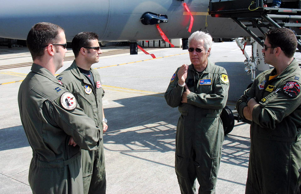 'Jeopardy' host visits Kadena Airmen