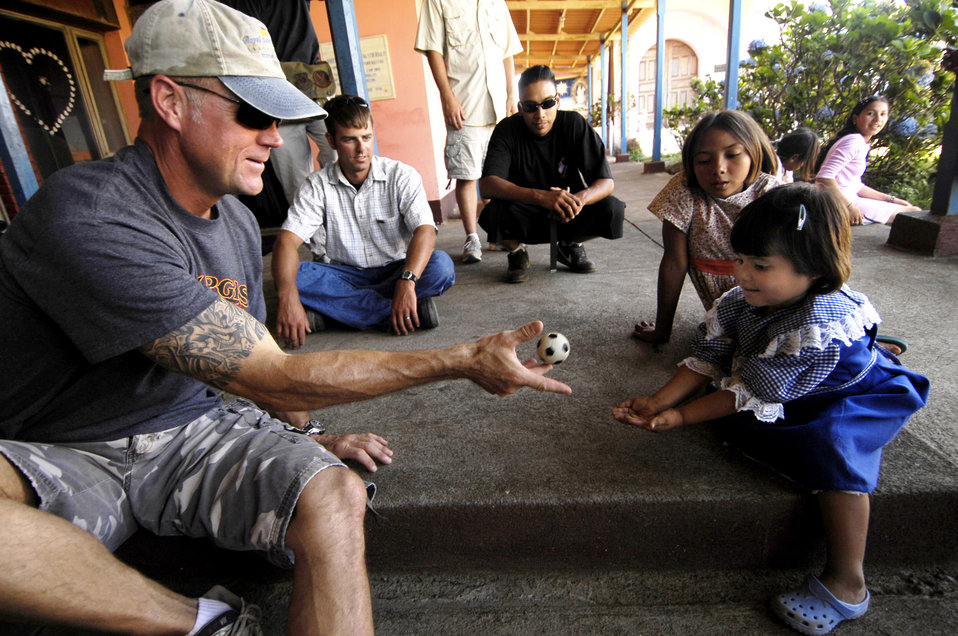 Airmen visit Nicaraguan orphanages, deliver donations