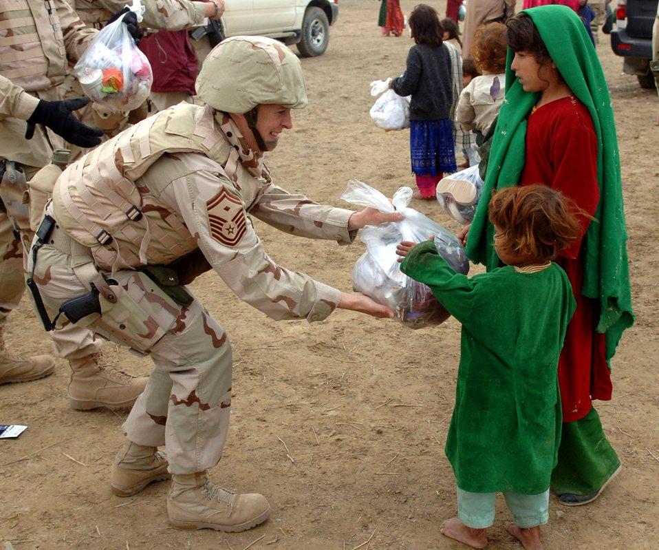 Airmen reach out