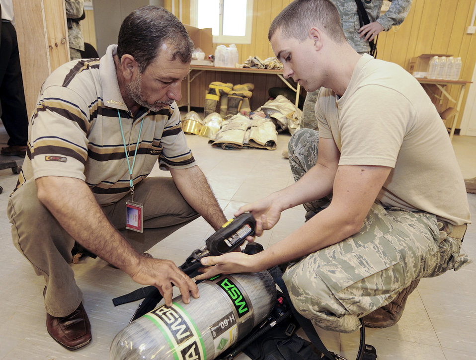 Iraqi firefighters training