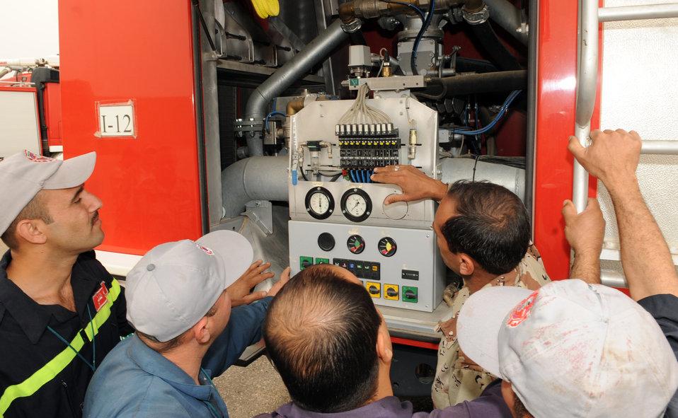 Iraqi, U.S. firefighters