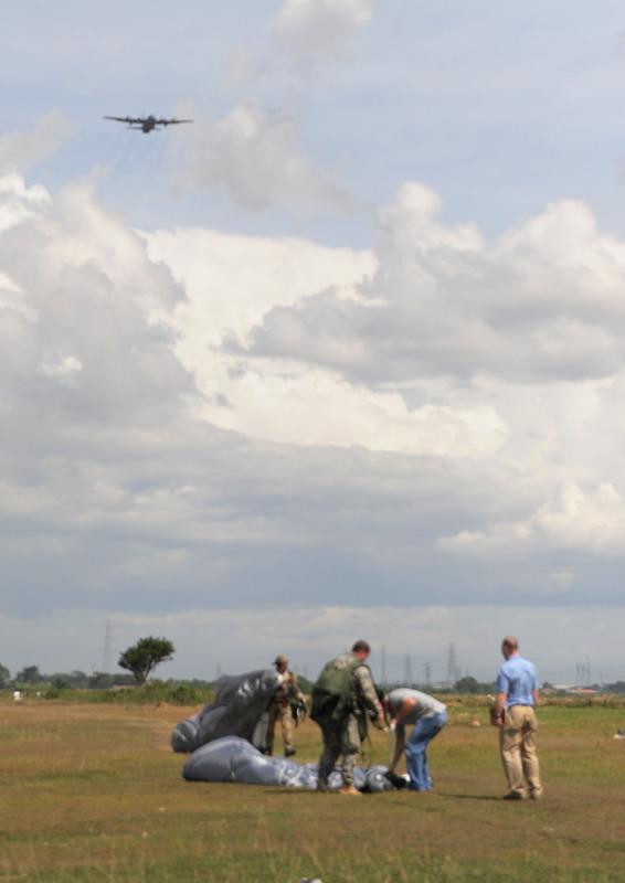 U.S., Indonesian airmen jump into training