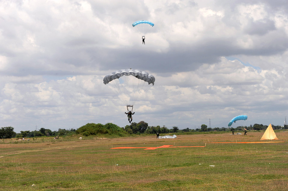 U.S., Indonesian airmen jump into training