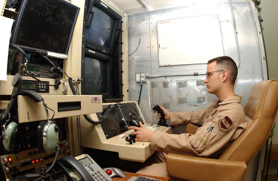 Predators deliver data, firepower in Iraq