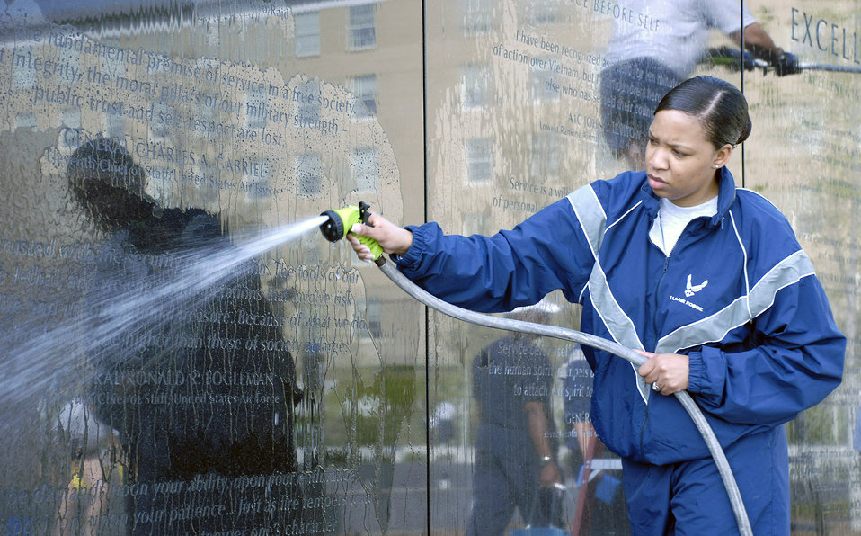 Sprucing up the Air Force Memorial