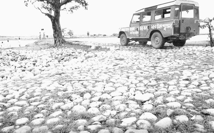 This photograph depicted a smallpox jeep, which had just delivered its smallpox eradication team to a waterway, where they were to embark on