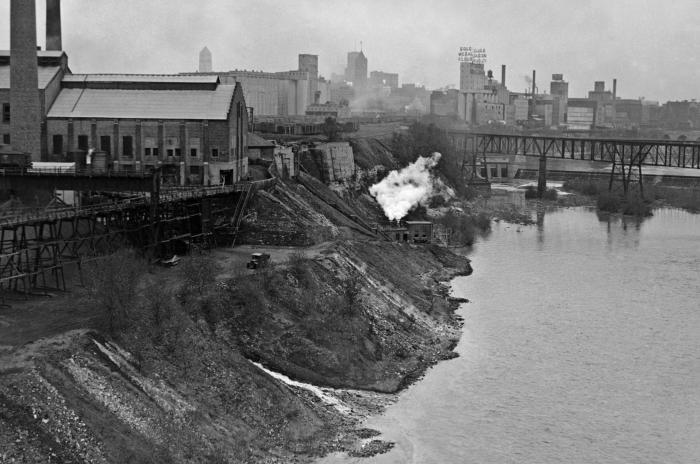 This historic photograph taken on May 11, 1933, depicted the former Minneapolis Gas Light Co. along the banks of the Mississippi River. Note