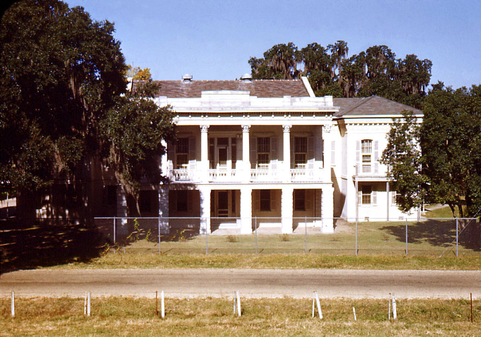 This photograph depicted the Carville, Louisiana Leprosarium's Administration Building, where all new patients that had entered the facility