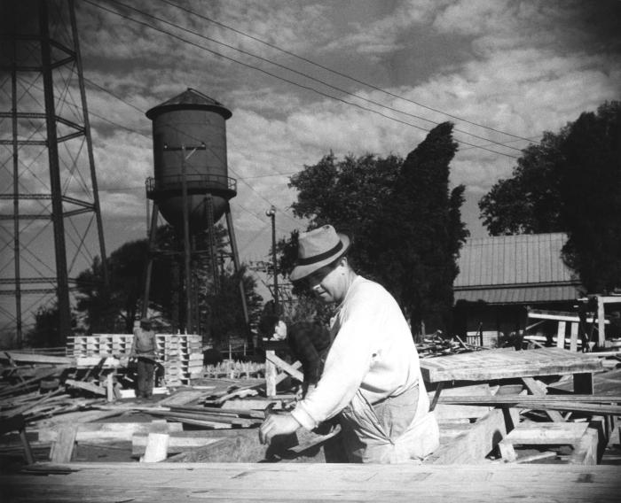 Provided by the Center for Disease Control's (CDC), National Institute for Occupational Safety and Health (NIOSH), this historic 1943 image