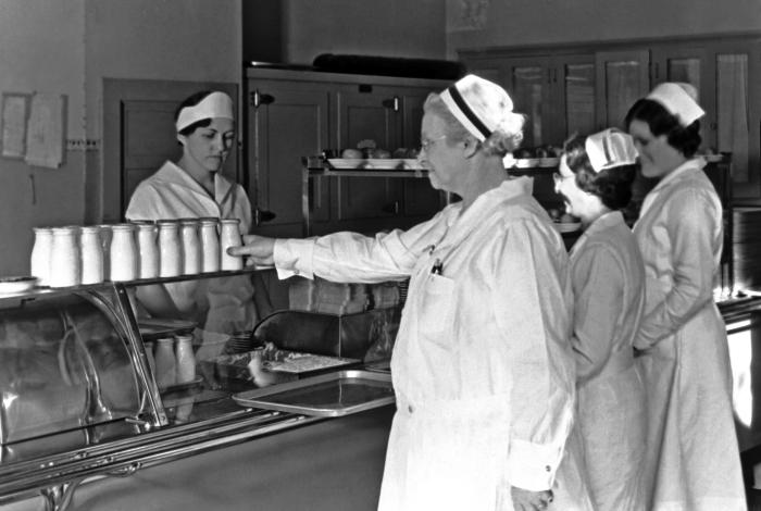 This historic 1932 photograph showed milk being served in the cafeteria of the state tuberculosis sanatorium at Ah-Gwah-Ching, Minnesota. Pu
