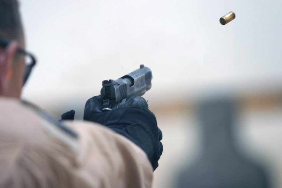 A very good look on the cartridge after shooting a gun. I took this photo two years ago עברית:  מבט טוב מאוד על התרמיל שנפלט לאחר ירי באקדח תמונה שצילמתי לפני שנתיים