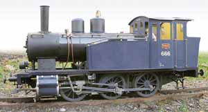 A 1:8 live steam scale model of a VR Class Vr1 type 0-6-0 tank locomotive from 1914. Suomi:  Vr1-höyryveturista 1:8-mittakaavaan tehty pienoismalli