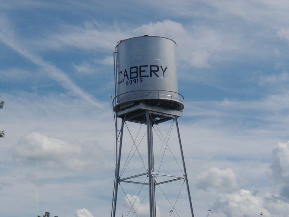 Picture of the Cabery, Illinois water tower.