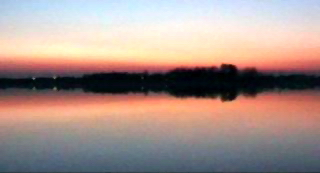 Palić lake at sunset. Bormalagurski 02:06, 27 October 2005 (UTC)