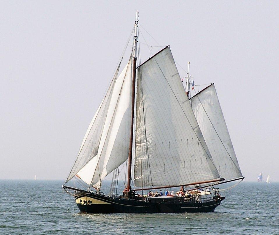 IJsselmeerTraditionalBoat.JPG