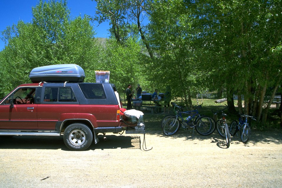 Unloading picnic supplies at the Divide Day Use Area