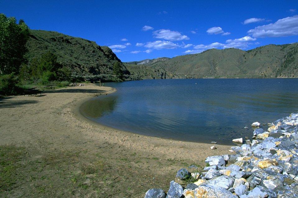 Shoreline along Hauser Lake