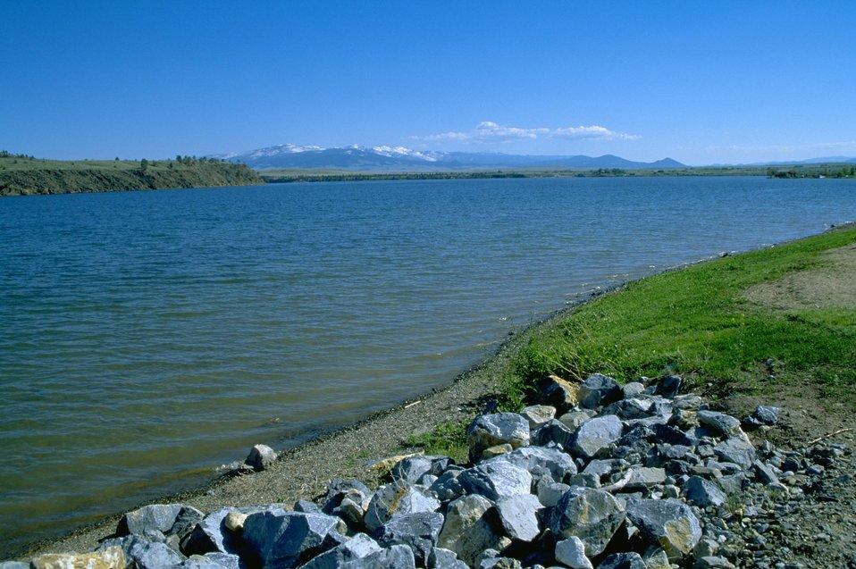 Rocks along the shoreline of Hauser Lake