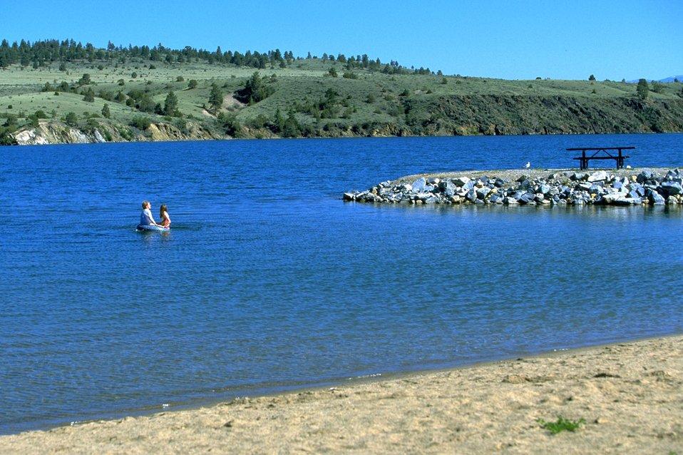 Children playing in Hauser Lake