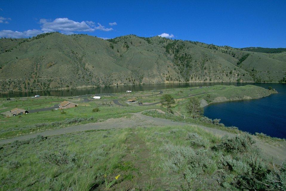 Devils Elbow Campground next to Hauser Lake