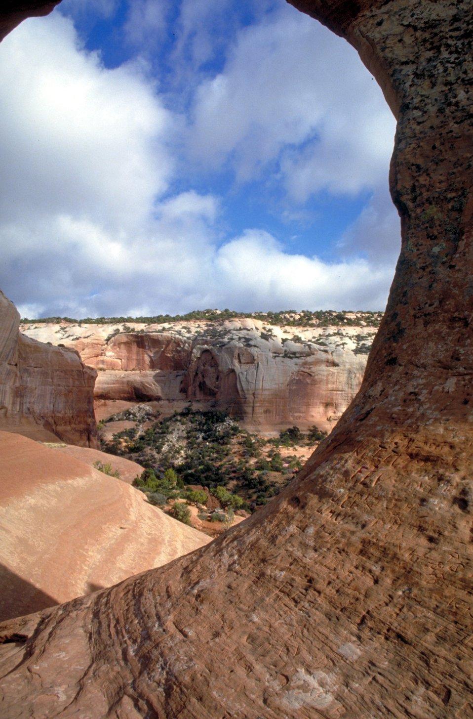 Wilson Arch south of Moab, Utah.