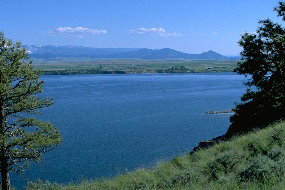 Scenic view of Hauser Lake