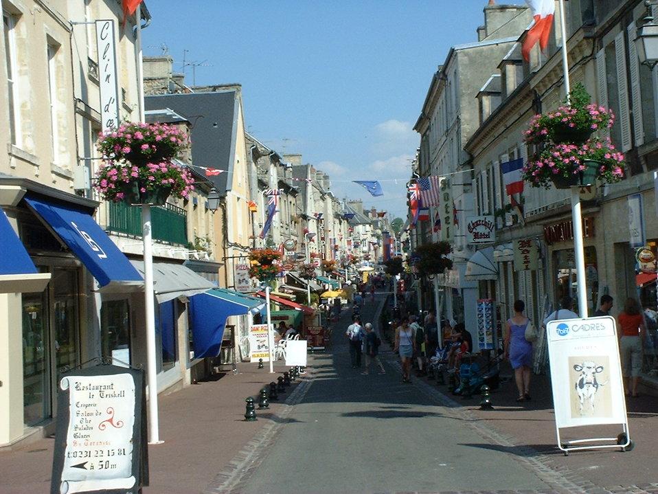 Photo Streets of en:Bayeux, en:France taken on July 3, 2001.