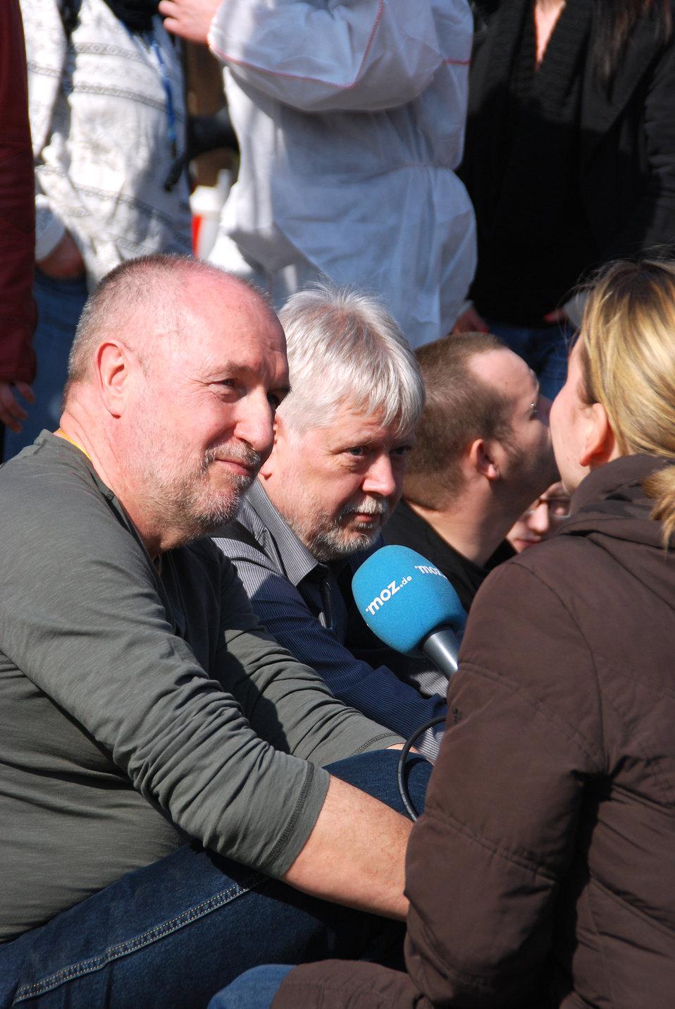 Proteste gegen den Nazi-Aufmarsch am 24.3.2012 in Frankfurt (Oder), mit Helmuth Markov, Finanzminister des Landes Brandenburg und Axel Henschke, Mitglied des Landtages Brandenburg