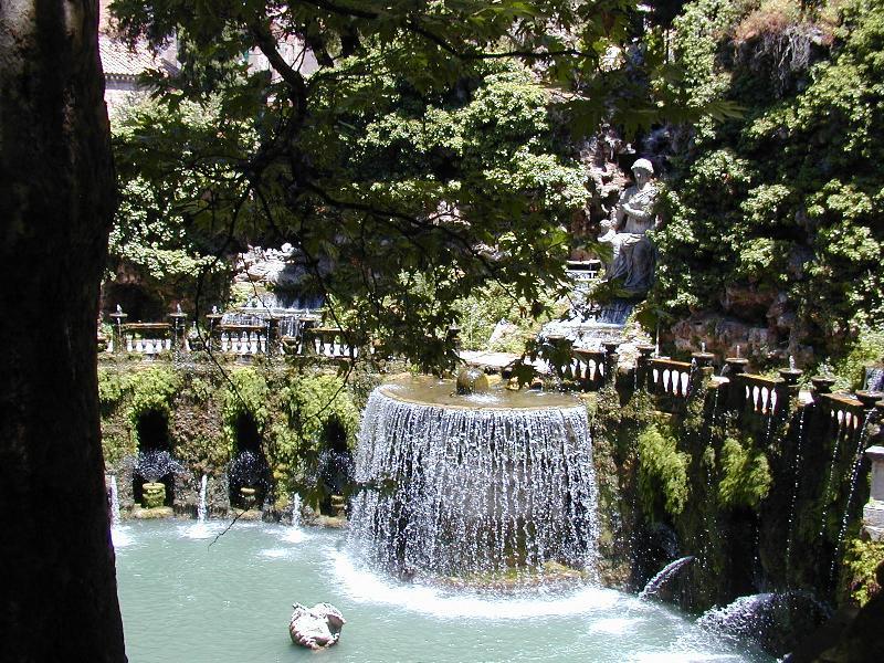 Italiano:  Tivoli, Villa d'Este - fontana dell'Ovato
