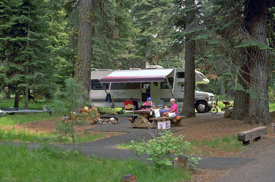 Campers at Hyatt Lake Campground.