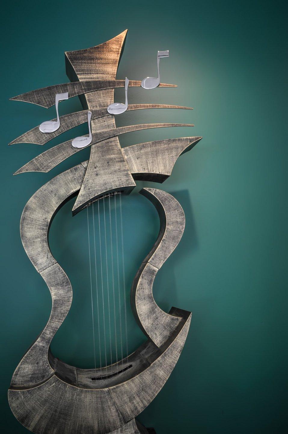 Musical instrument sculpture